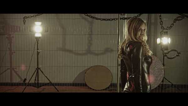 Six Hot Chicks in a Warehouse Full Movie Download