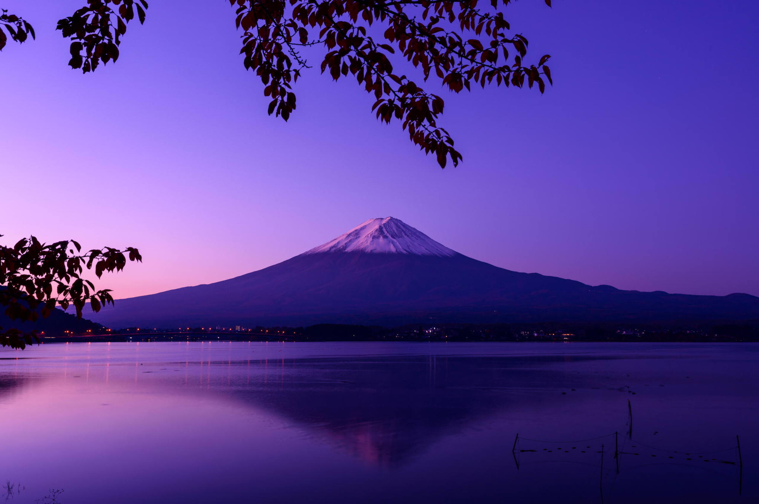 Select a solid black wallpaper for a dark background. 2560x1700 Mount Fuji Beautiful View Chromebook Pixel HD 4k ...