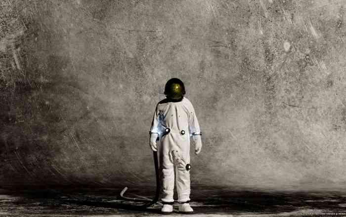 /Astronaut/