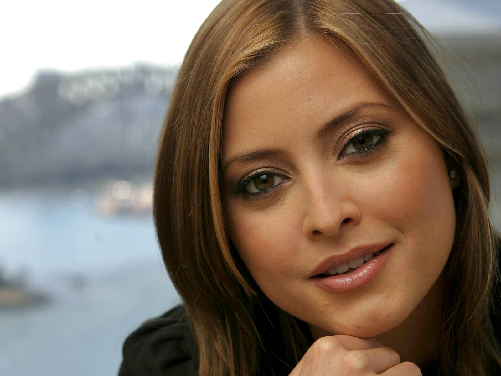 Holly Valance Walpaper Wallpapers 90 Wallpapers