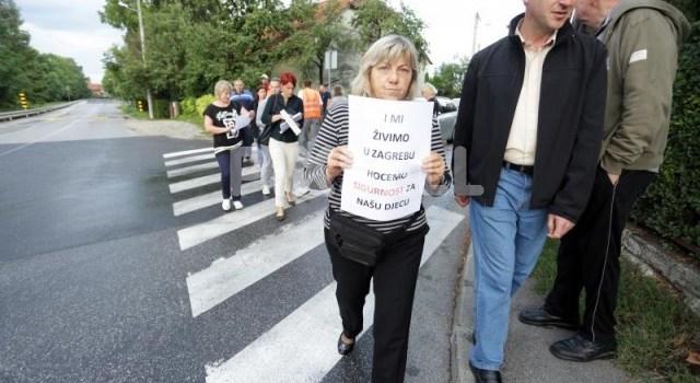 Prosvjed na križanju ulica Dubravica i Karažnik