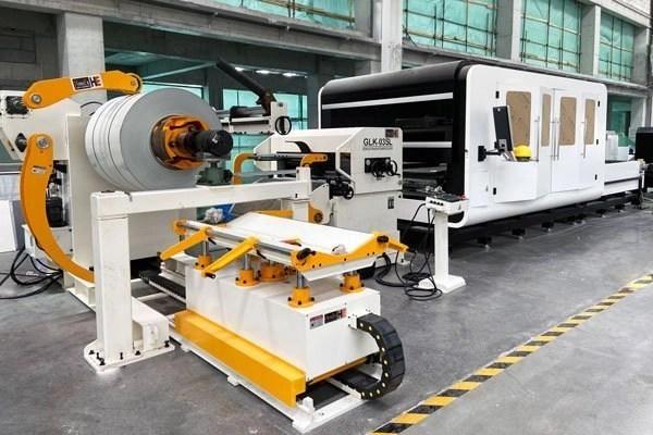 servo feeder with laser cutting machine