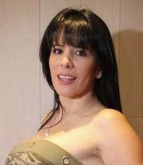 アニータアルバラード(チリ人妻)娘の現在はモデルで息子は?14億円横領事件の真相や旦那の今は?