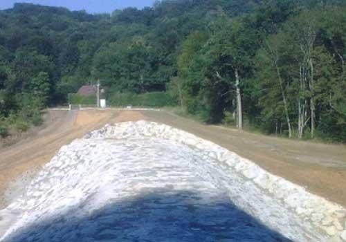 Bassin écrêteur avec stockage d'eau de 300 000 m3 HEA Pqu 64