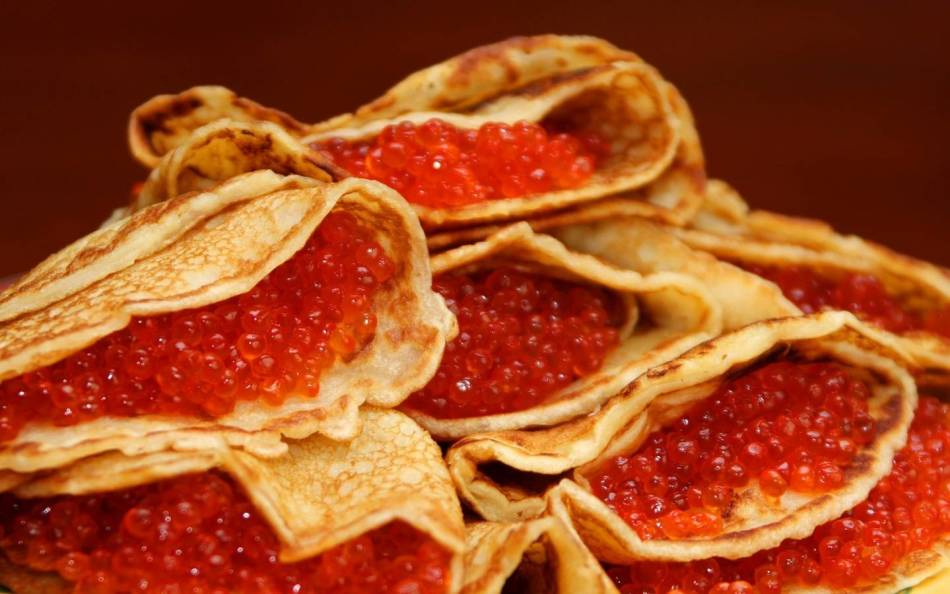 The smallest and largest red caviar: what kind of fish?