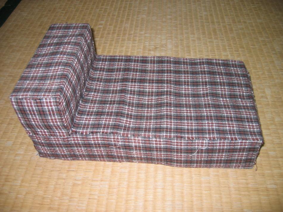 Кроватка для кукол с чехлом из ткани