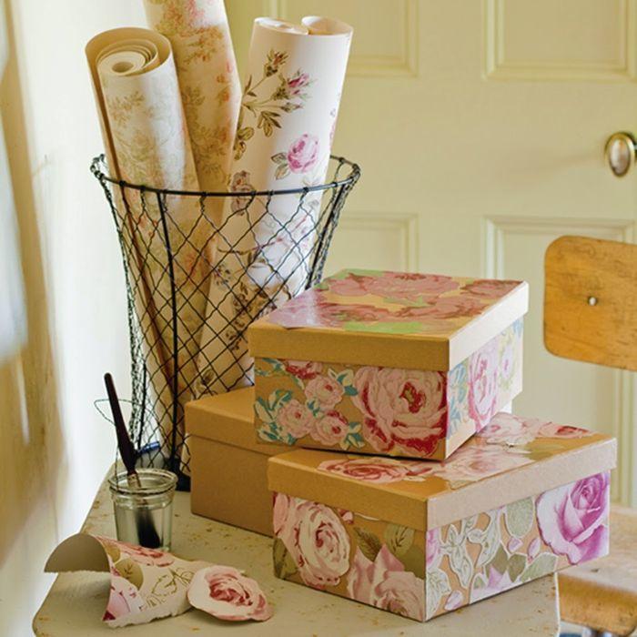 Kartonnen dozen zijn gemakkelijk omgezet in mooie en noodzakelijke dingen in het huis