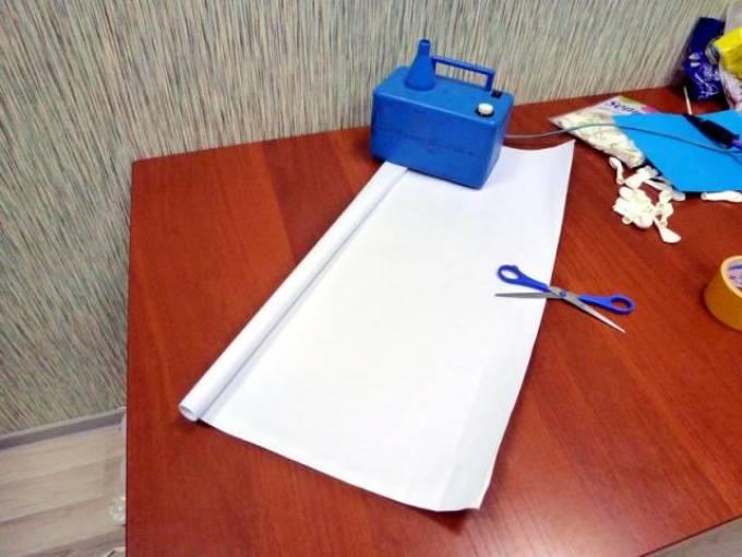 تحمل مكانا ثلج مصنوع من الورق