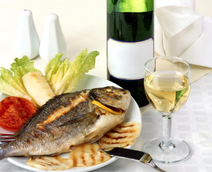 Какое вино подходит к рыбе?