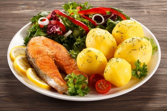 Второе рыбное блюдо с картофелем: оформление