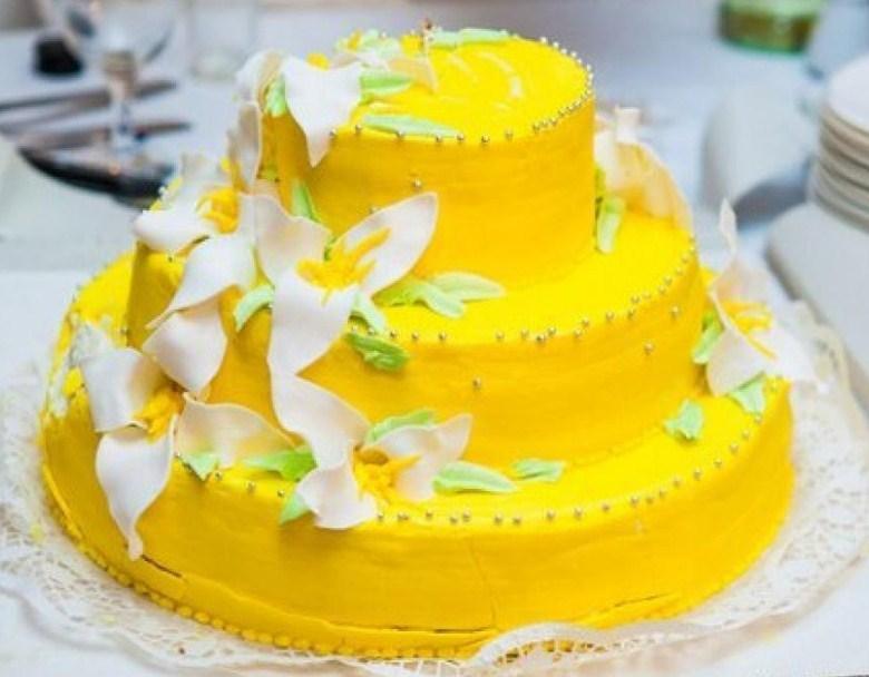 Žlutá bílá dekorace