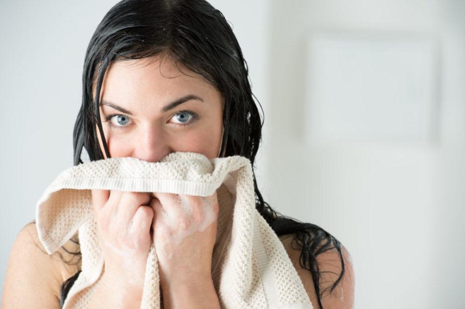 是否有可能在温度和高温下洗头?