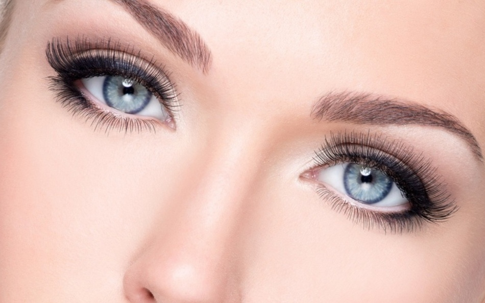 Besitzer von graublauen Augen, nach Physiognomie, freundlich, ansprechend, Ränge