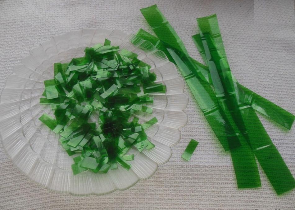 Листочки для пальмы-бонсай из пластиковой бутылки