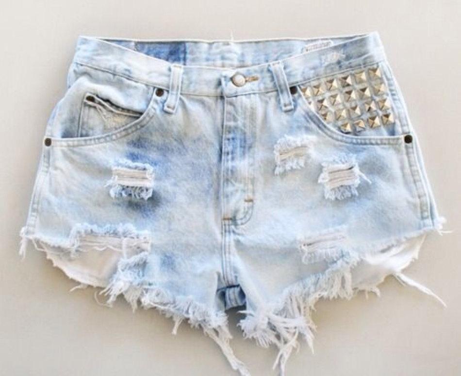 bb64abafdcf3 Шорты из старых джинс своими руками. Как из старых джинсов сделать ...