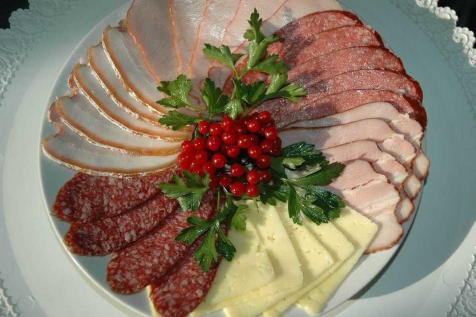 цвета нарезка колбас и сыров красиво в картинках официальным данным, актеру