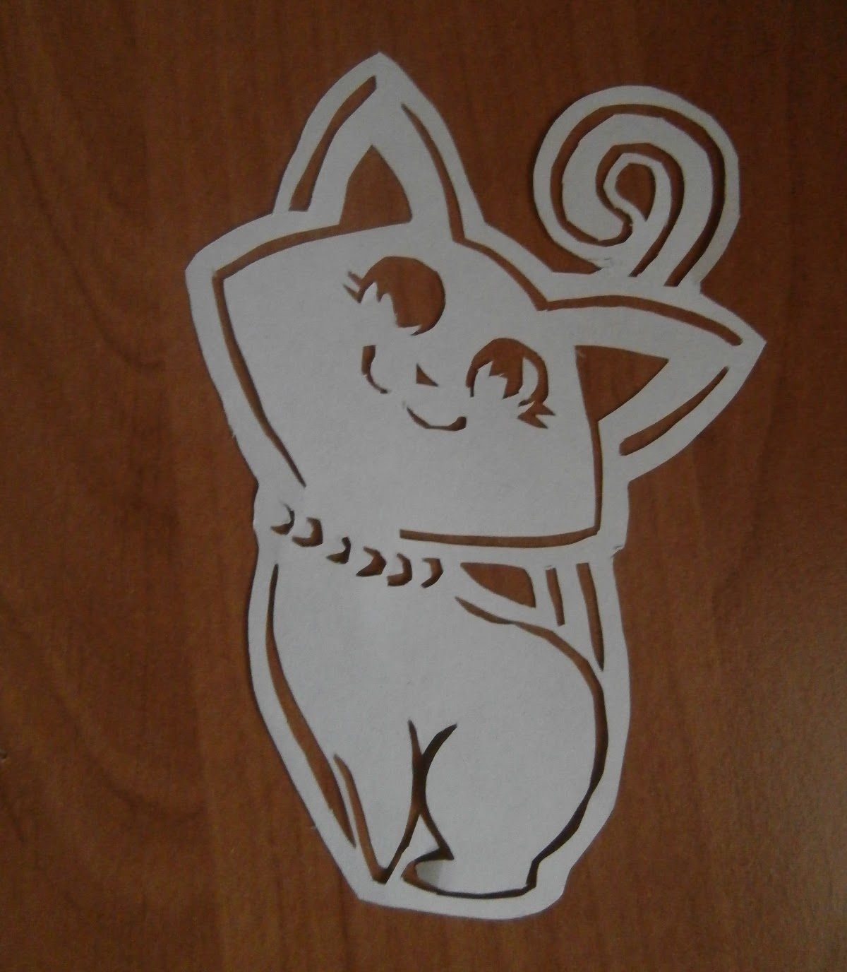 Коты на окне из бумаги