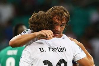 Diego+Forlan+Diego+Lugano+cOX6jneD-Nim