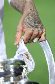 Gripping the cup