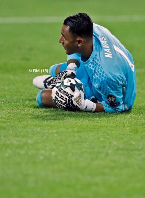 keylor-gets-down