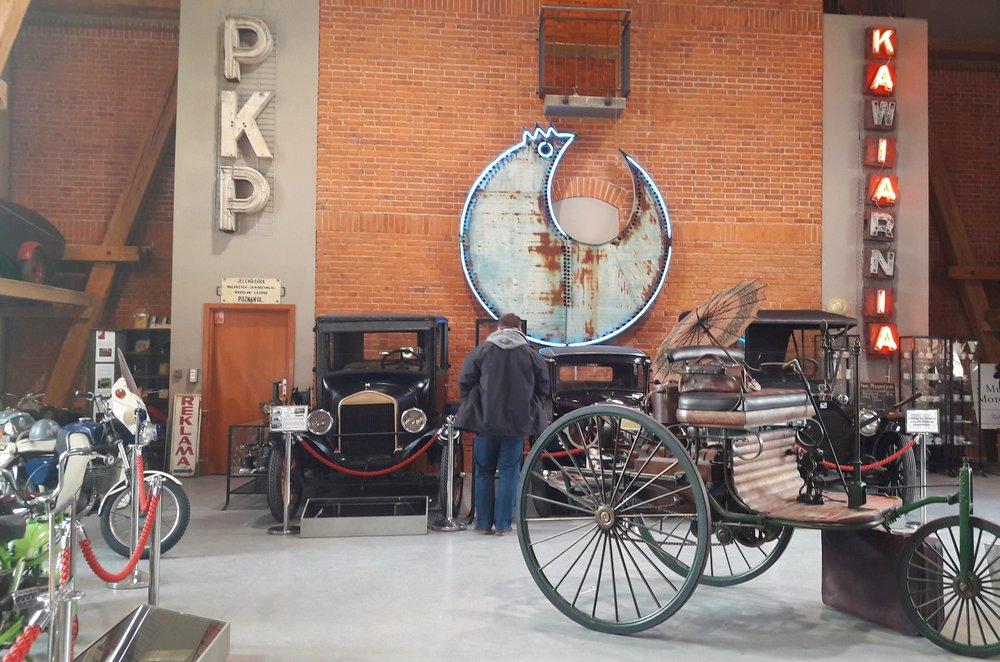co fajnego we Wrocławiu - auta w muzeum motoryzacji
