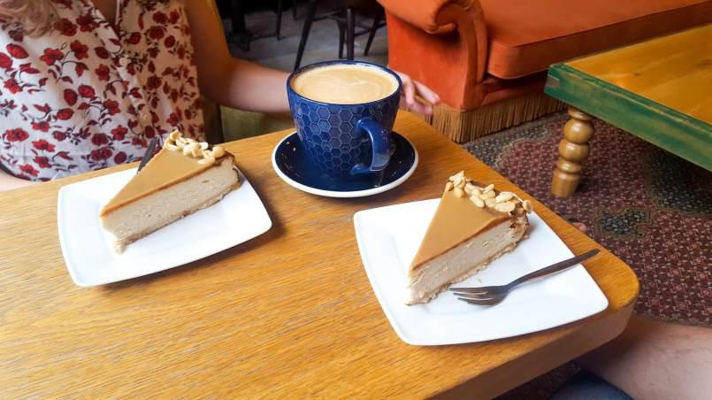 Instagram zmienia świat - sernik nowojorski w How You Doin Cafe w Warszawie