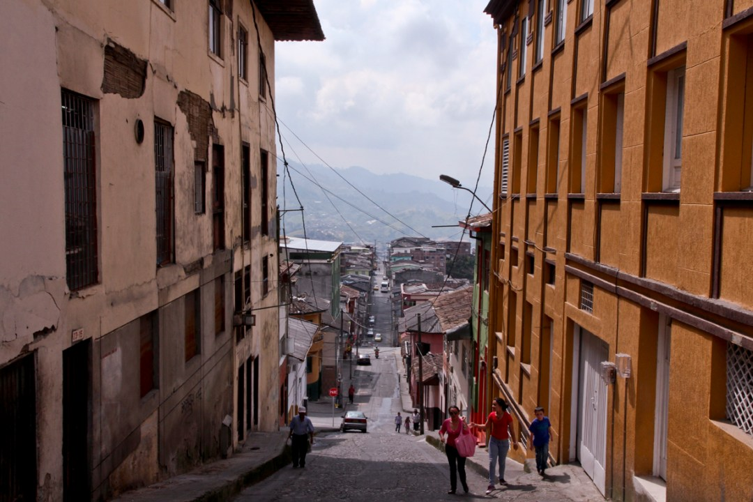 Steep, narrow street in Manizales