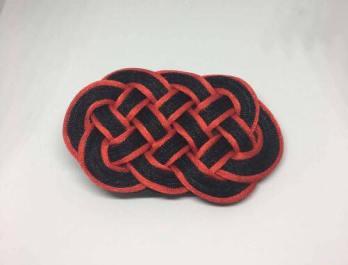 Knot_hairclip_blackredoval