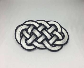 Knot_hairclip_bw
