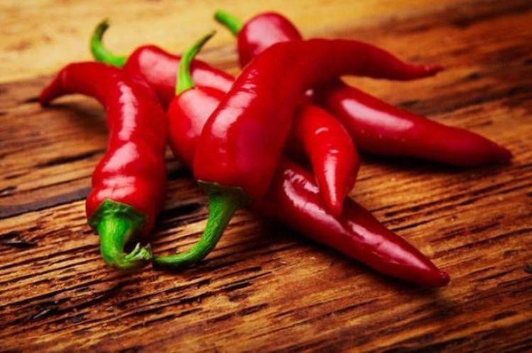 Эффективно бороться с ожирением и раком поможет этот острый овощ