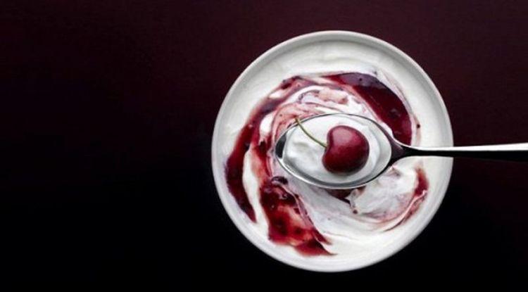 Пожалуй, это самый приятный метод лечения депрессии - с помощью йогурта