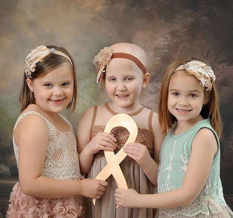 Этим девочкам когда-то поставили смертельный диагноз. 3 года болезни изменили их до неузнаваемости...