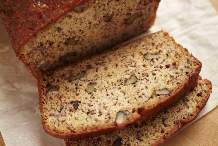 Банановый хлеб с орехами: новый вкус вместо давно надоевшей выпечки