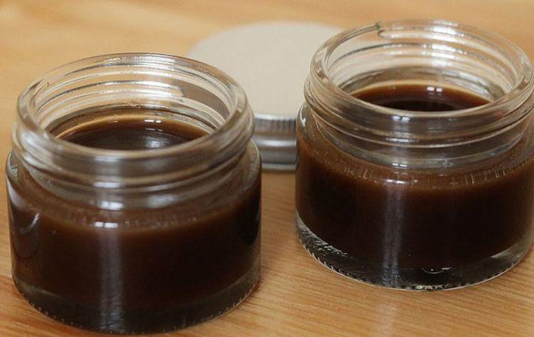 Бабулин рецепт мази от семи недугов: помогут мумие, пихтовое масло и мед