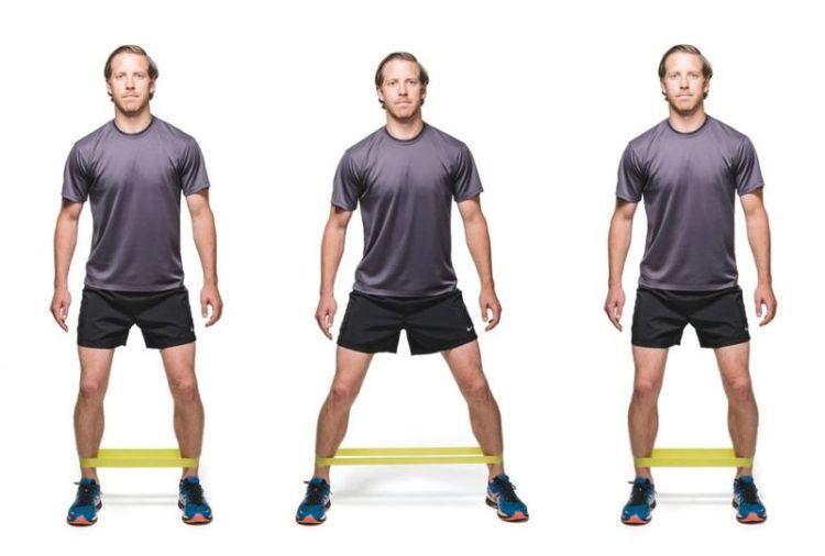 Замучил хруст в коленях: помогут упражнения с теннисным мячиком