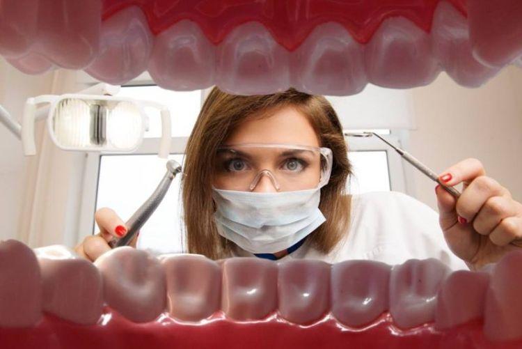 Полная имплантация зубов: основные методы, преимущества и недостатки