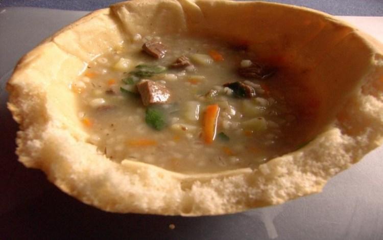 Хлебные тарелочки для супа и салата: вкусная замена посуде, которую можно скушать