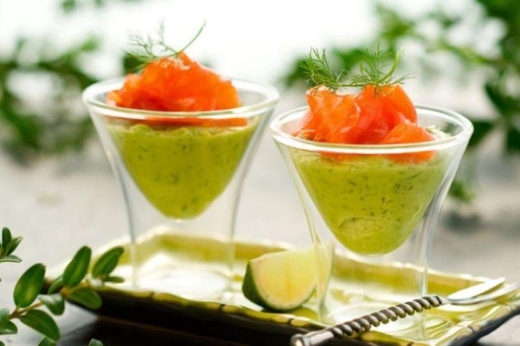 Праздники по-буржуйски: 5 изысканных закусок из семги и креветок