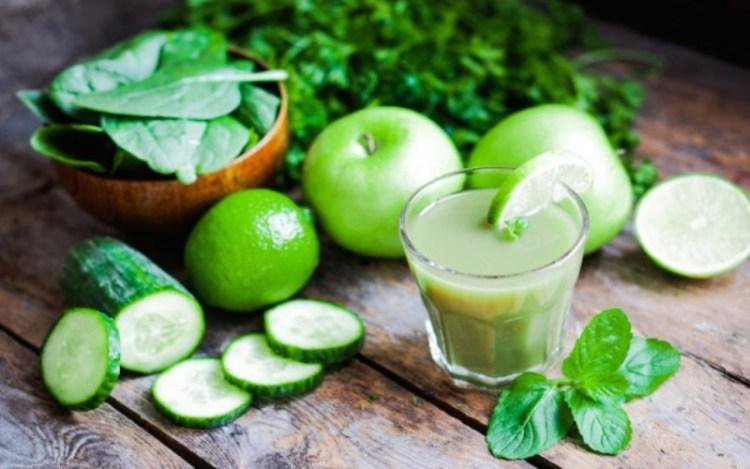 Замучили головная боль и мигрени - просто добавьте в рацион зеленый сок