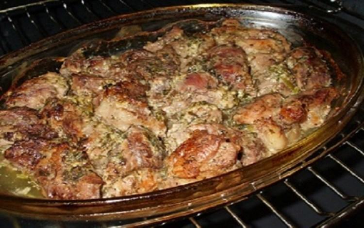 Нежнейшее и ароматное мясо в духовке: настоящий гастрономический клад прямиком из Грузии