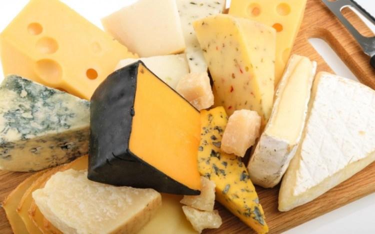 Ученые выявили, что употребление сыра делает сердце живее