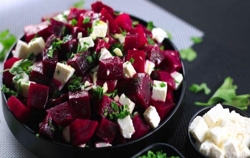 Салат из свеклы с сыром «Фета»