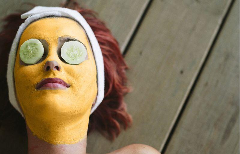 Маска для лица из куркумы с медом: ваш проводник в мир красоты