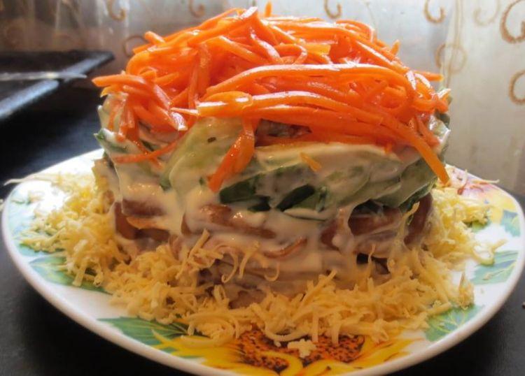 Салат с корейской морковкой и курицей