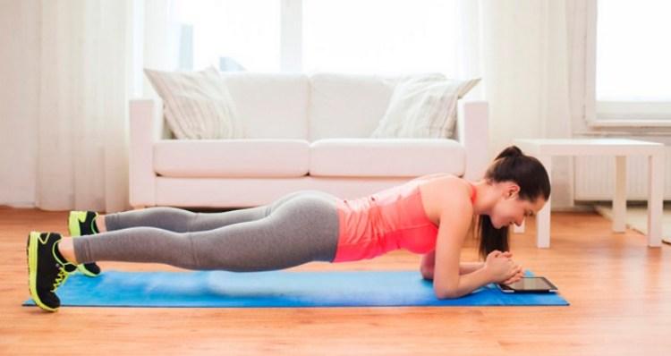 Как похудеть в животе без спортзала: помогут упражнения для живота