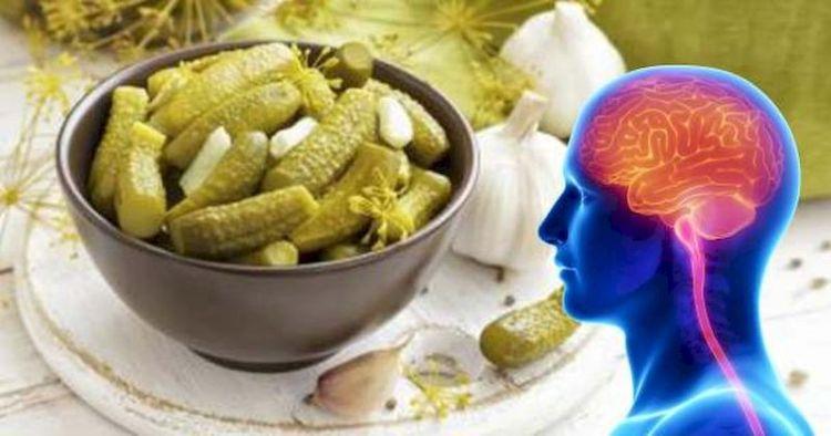 Соленые огурцы против стресса: как успокоиться с помощью любимой закуски