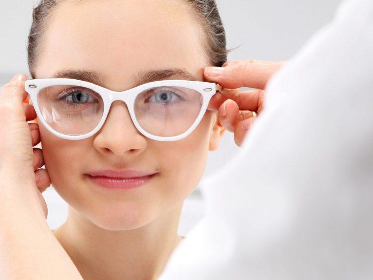 Косоглазие и почему нарушается симметричное положение глазных яблок