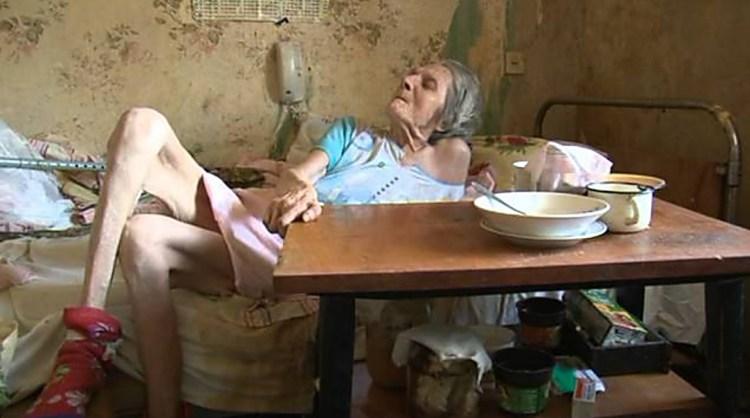 Родственники бросили бабушку: страшная по своему цинизму история произошла в Шексне