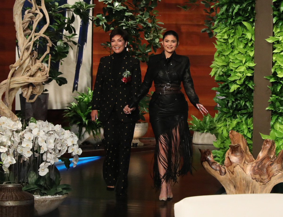 "Kylie & Kris Jenner Chat, Reward Women's Group With $750,000 On ""Ellen  DeGeneres Show"" (Watch Now)"