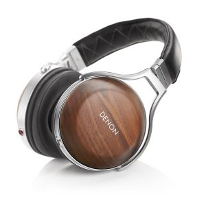 Denon AH-D7200 Closed-back circumaural headphones